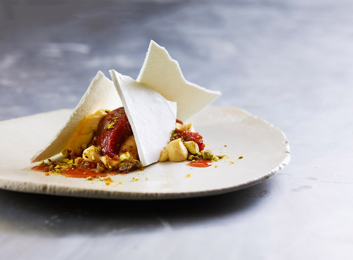 Spiced quince, vanilla cream, meringue shards prepared by Pearl Catering